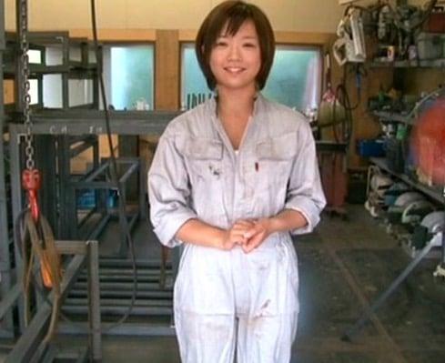 【紗倉まな】ボーイッシュな工場萌え巨乳美少女の深夜の工場ファック