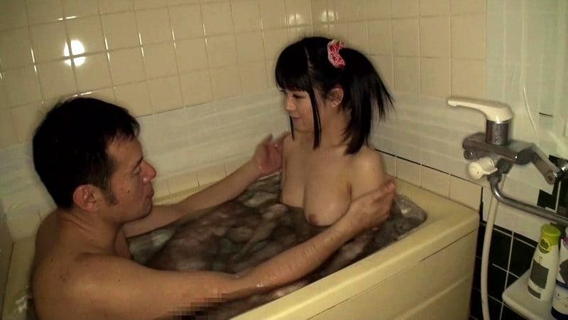 お風呂に入るラブドール 小暮みなみ