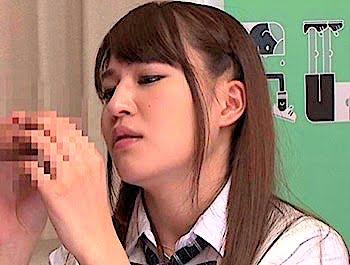 包茎チンポに興味津々の思春期のJKさん同級生のメガ包茎チンポをおしゃぶり