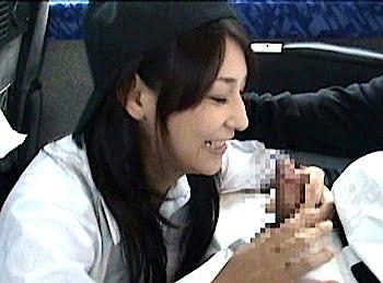 チンポに笑顔な女子マネ